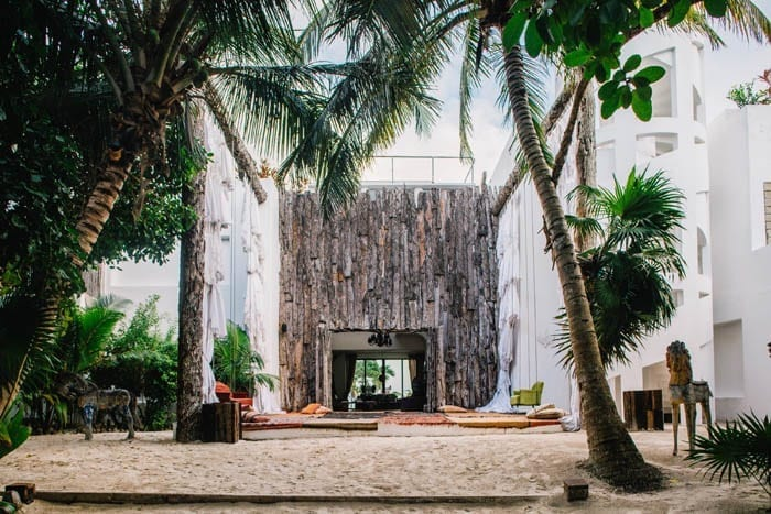 Casa Malca, Mexico